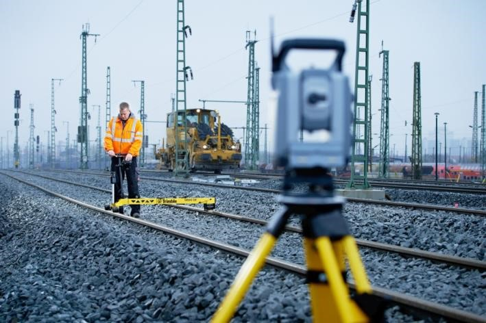 Geodetical measuring with the Trimble GEDO CE 2.0